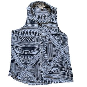 Decree Black Abstract Button Up Tank Size Large